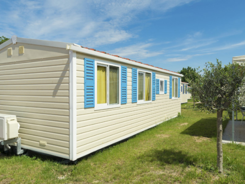 Can I Spray Paint The Metal Siding on a Mobile Home?