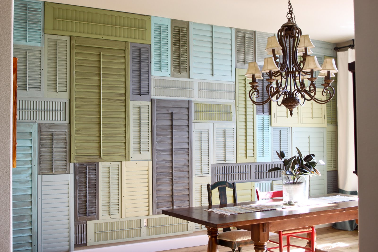 Old shutters are incredibly versatile in the DIY and upcycling world. Learn how to create some masterfully crafted home decor items out of shutters!