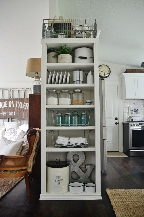 By upcycling shutters you can build your own bookcase or shelving unit for books, kitchen utensils, or decor items.