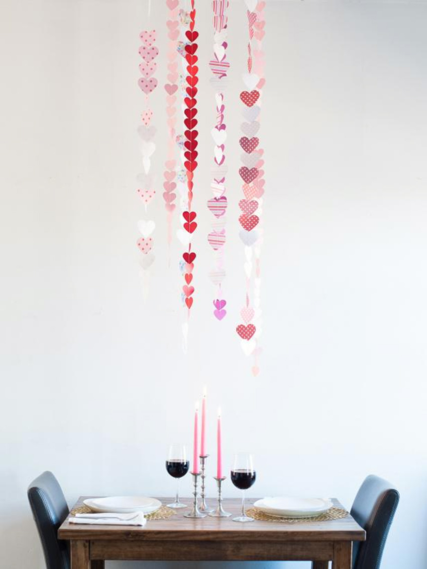 This is the perfect decor for a romantic dinner. Source: HGTV
